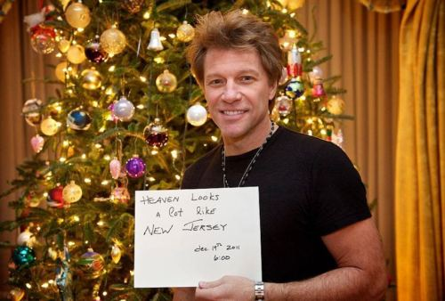 Jon Bon Jovi responds to the exaggerated reports of his death with this pic.