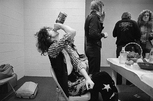 Jimmy Page backstage Indianapolis 1975