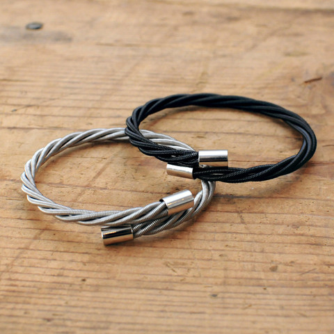 bass_guitar_string_bracelet