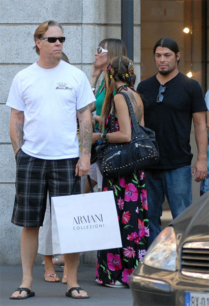 A recent picture taken by paparazzi of Metallica's James Hetfield holding an Armani bag while out shopping in Norway with his family and bassist Robert Trujillo.