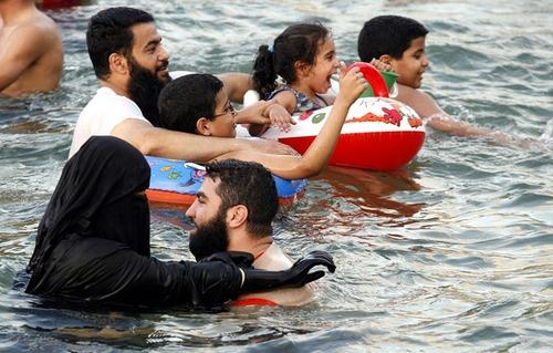 hijab swimming