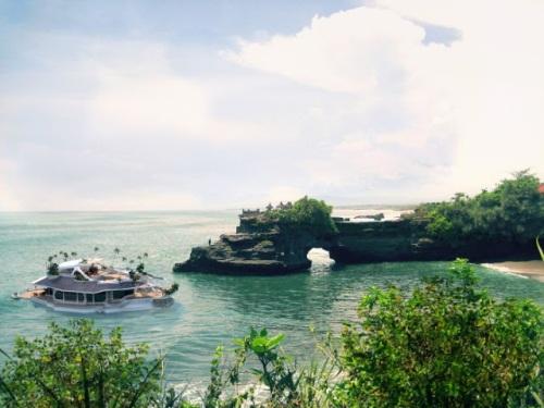 yacht_iu