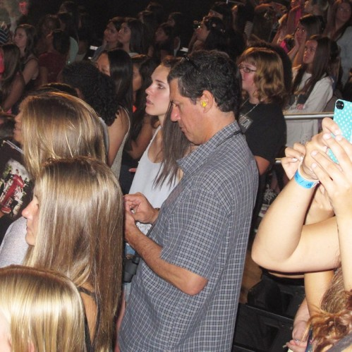 Dads-at-a-One-Direction-Concert-02-685x685