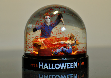 halloween-20th-anniversary-vhs-snow-globe-dome