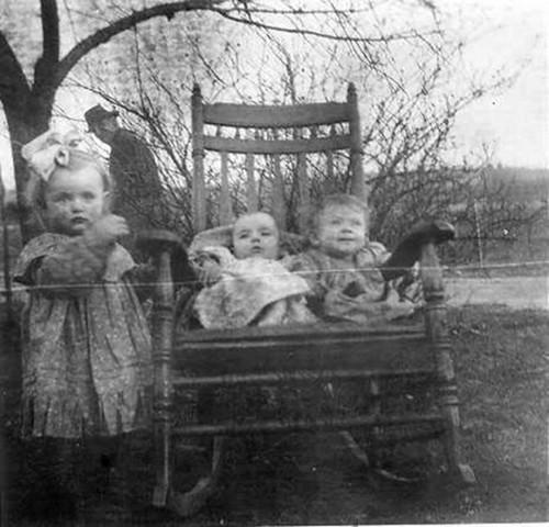 creepy-kids-rocking-chair