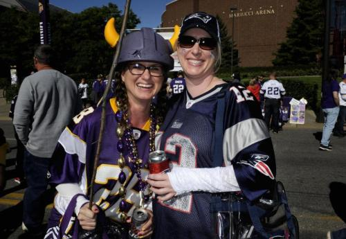 Vikings fan with switch