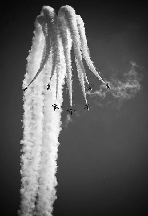 Military air show trick.
